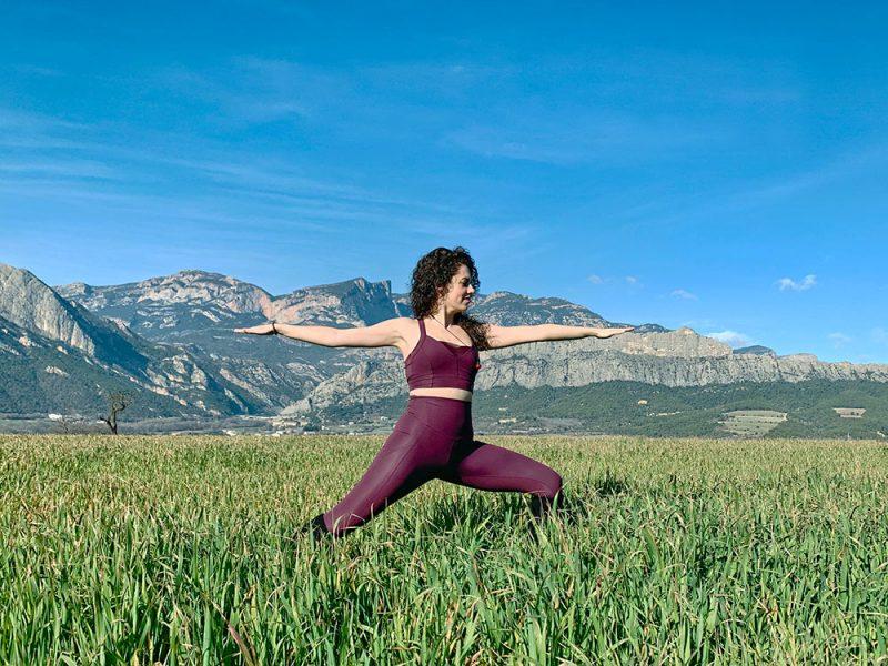 Clase grupal de Yoga en La Casa dels Peixos